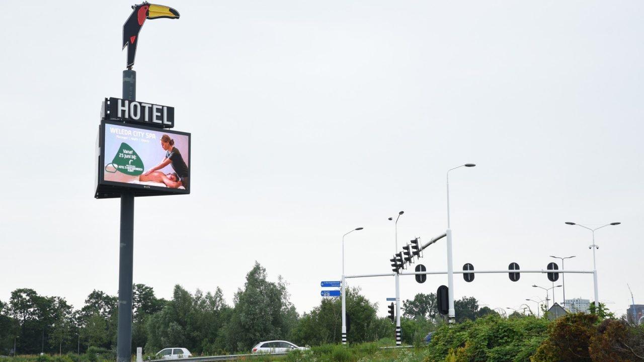 Weleda City Spa Vught reclamezuil van der valk